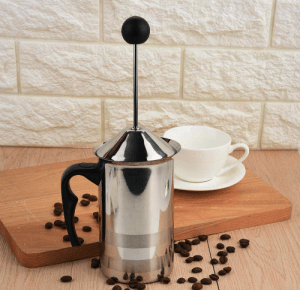 Manual milk frother