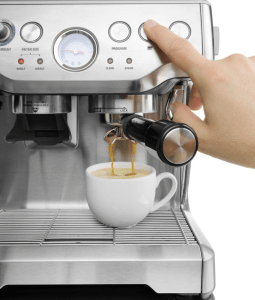 Making coffee with Breville BES870XL